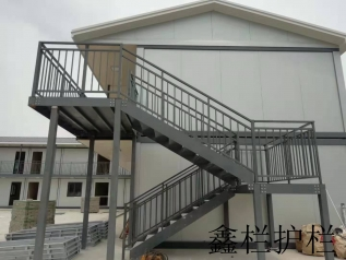 郑州易胜博备用网址楼梯扶手安装