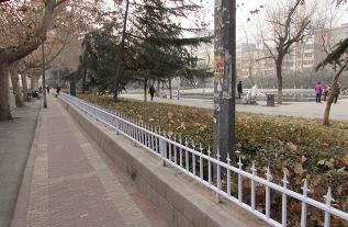 为什么公园普遍设置PVC草坪易胜博备用网址?