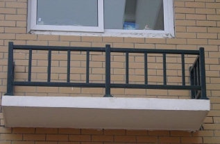 河南阳台护栏厂家告诉你阳台护栏安装的注意事项