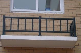 分析阳台护栏如何选择材质