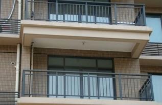 河南护栏厂家告诉你阳台护栏设计时需注意的问题