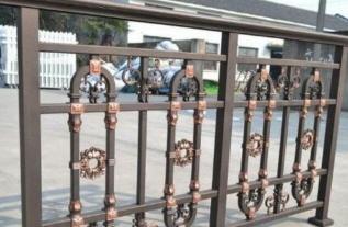 河南阳台护栏厂家问你解惑护栏怎么保养