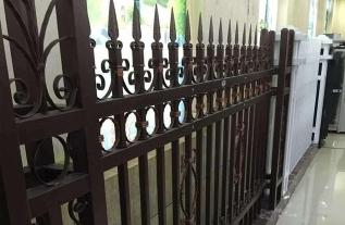 新型锌钢欧式护栏有什么特点?
