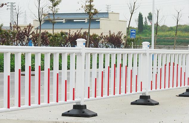 防眩板护栏